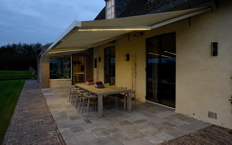 store-banne-terrasse-led-800x500-2